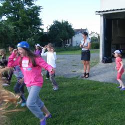 Des jeunes danseuses très énergiques...