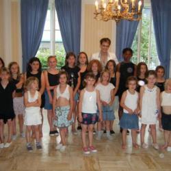 Les enfants de Retheuil à la fin de leur représentation !